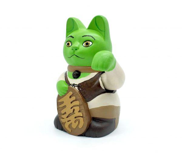 Kiborineko, gato de la suerte caracterizado como Shrek