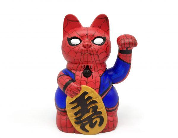 Kiborineko, gato de la suerte caracterizado como Spiderman