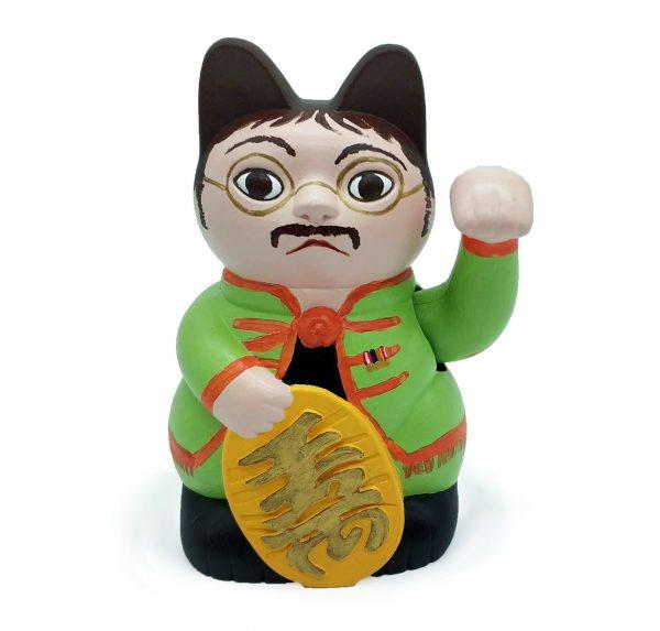 Kiborineko, gato de la suerte caracterizado como John Lennon de The Beatles